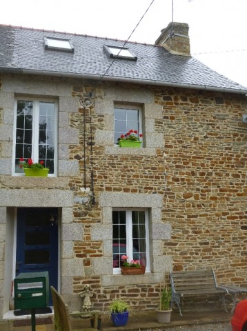 Cottage for Sale in Guilliers, Bretagne, France