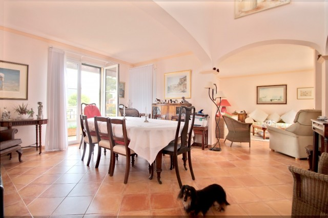Townhouse for Sale in Camp De Mar
