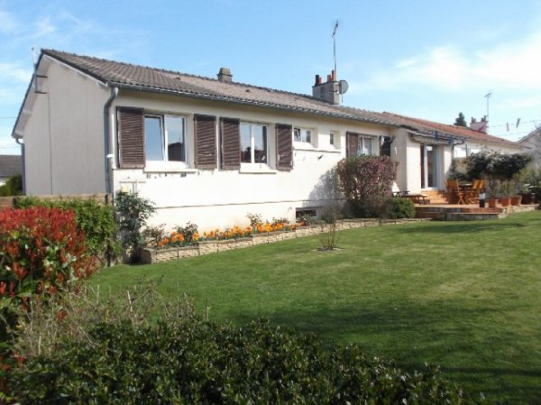 House for Sale in Les Aubiers, Poitou-Charentes, France