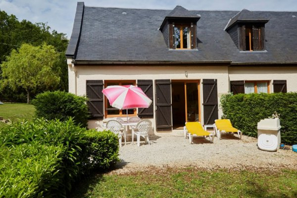 House for Sale in Saint-Julien-De-Lampon, Aquitaine, France
