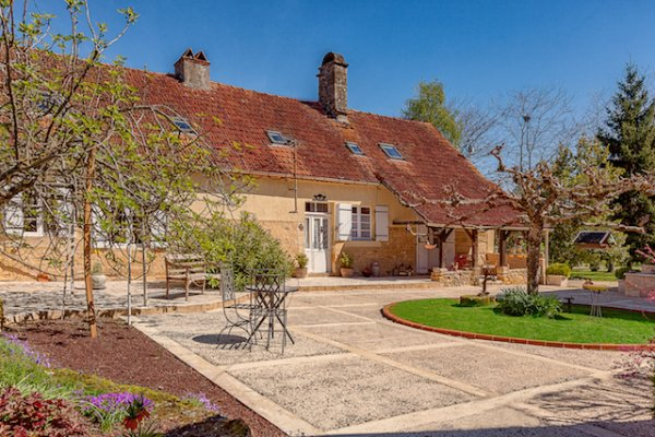 House for Sale in Saint-Cyprien, Aquitaine, France