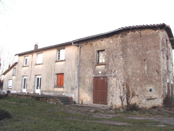 House for Sale in Chantecorps, Poitou-Charentes, France