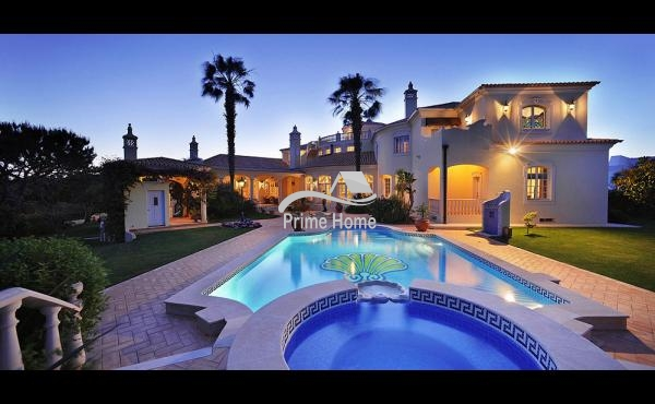 Villa for Sale in Central Algarve, 8135-162, Faro, Central Algarve, Portugal