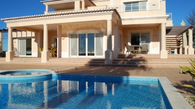 Villa for Sale in Lagoa, Portugal