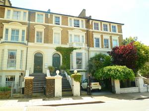 Flat for Rent in Earlsfield, United Kingdom