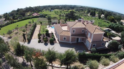 Villa for Sale in Algarve, Portugal