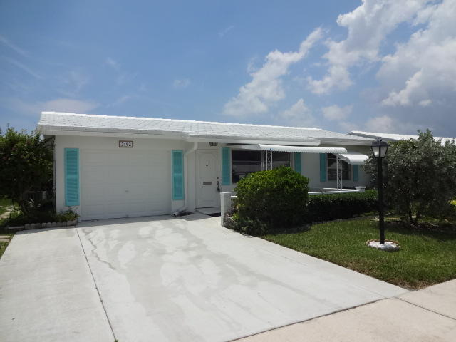 Single Family Home for Sale in Boynton Beach, United States of America