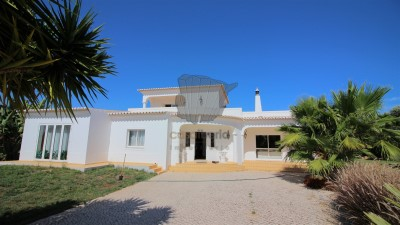 Property for Sale in Carvoeiro, Portugal