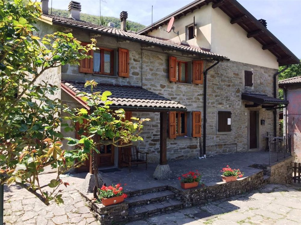 House of Character for Sale in Baragazza, Emilia Romagna