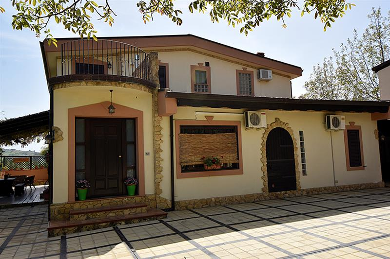 House for Sale in Piazza Armerina, Enna, Italy
