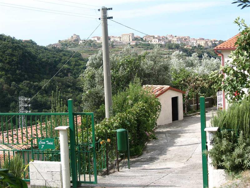 House for Sale in Fiumefreddo Bruzio Calabria, Cosenza, Italy