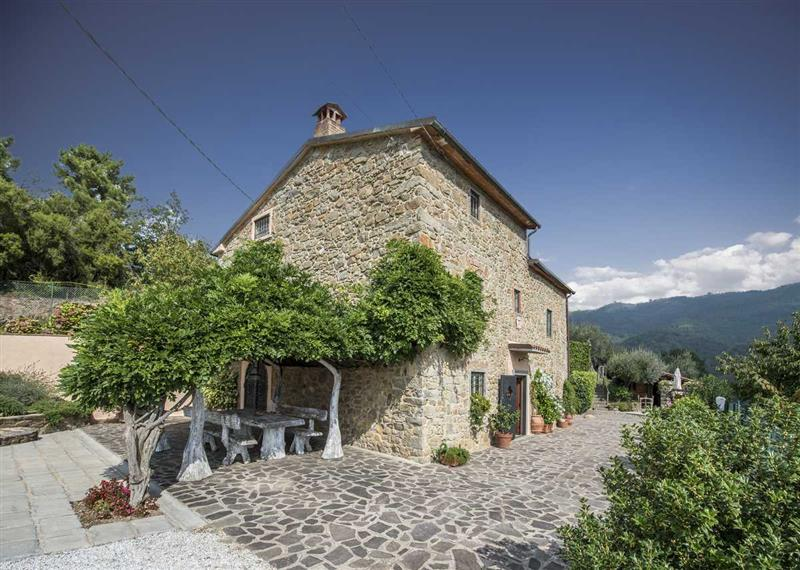 House for Sale in Pistoia, Pistoia, Italy