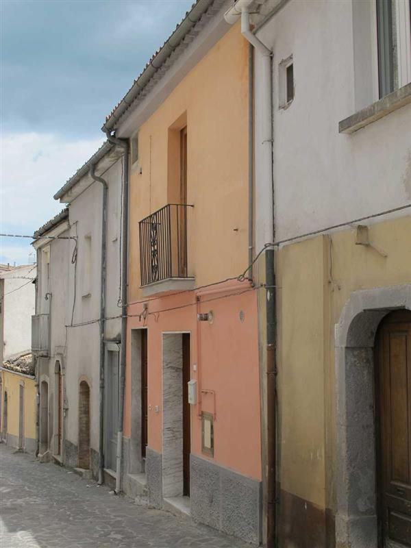 Flat for Sale in Calitri, Avellino, Italy