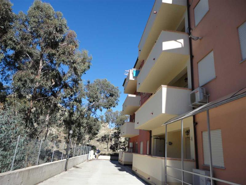 Flat for Sale in Superb One Bedroom Collinetta Apartment in Calabria italy, Catanzaro, Italy