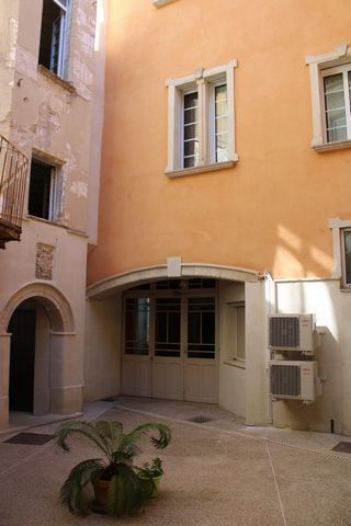 2 Bedroom Apartment for Sale in Carpentras