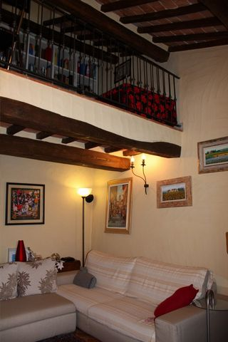 2 Bedroom Apartment for Sale in Cortona