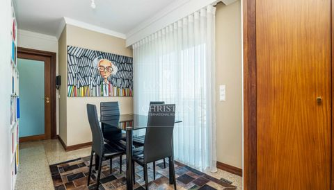 5 Bedroom Apartment for Sale in Marginal Freixo