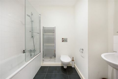 2 Bedroom Apartment for Sale in London
