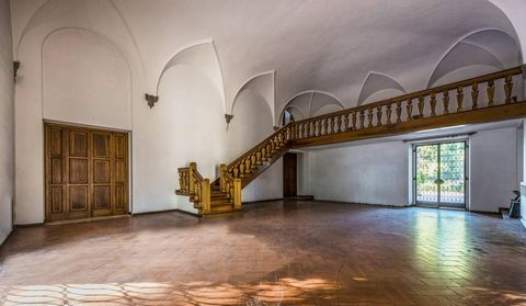 5 Bedroom Apartment for Sale in Toscana