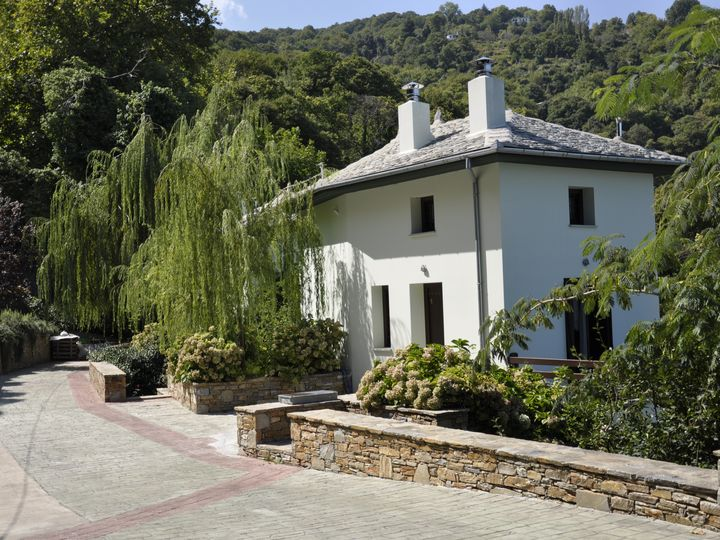 Cottage for Sale in Thessaly and Continental Greece, Greece