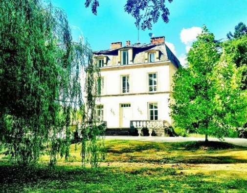 House for Sale in Sarlat La Caneda, France
