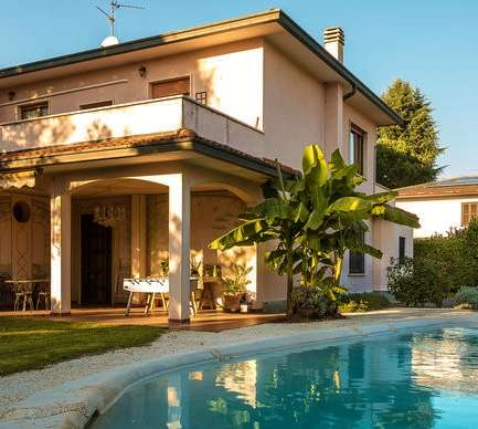 Villa for Sale in Milan, Italy