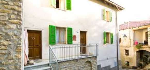 House for Sale in Cravanzana, Italy