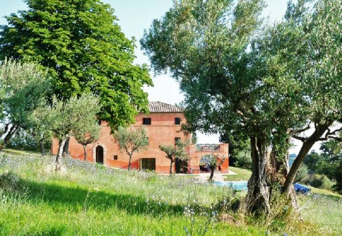 Villa for Sale in Tolentino, Italy
