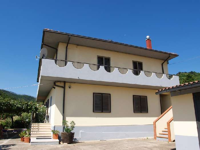 Villa for Sale in Amaroni, Italy