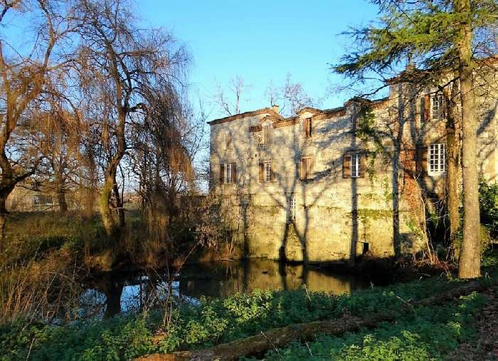 House for Sale in St. Quentin du Dropt, France