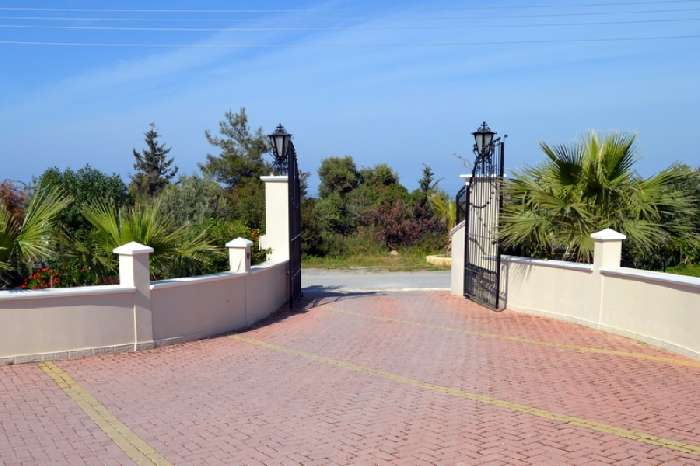 Villa for Sale in Catalkoy