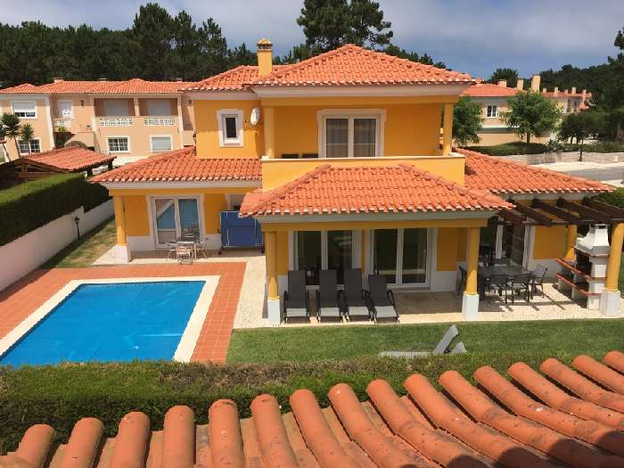 Villa for Sale in Praia D'El Rey, Portugal