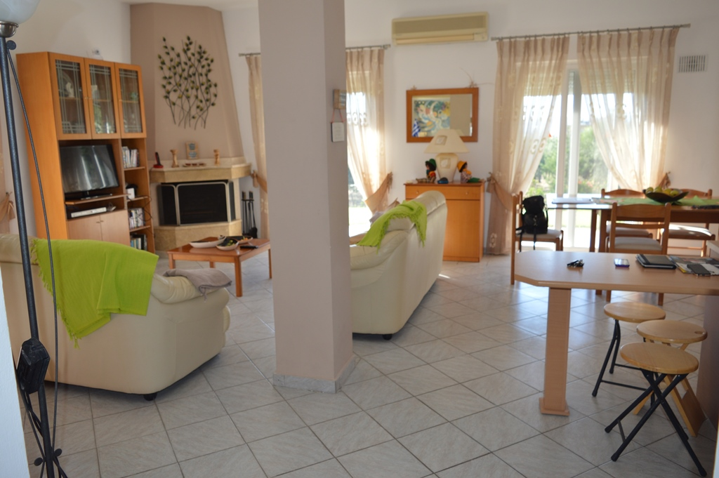 House for Sale in Linopotis