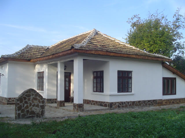 Villa for Sale in Popovo, Bulgaria