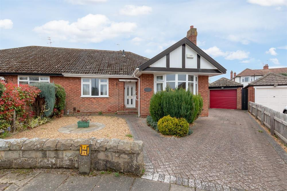 Bungalow for Sale in DarlIngton, , United Kingdom
