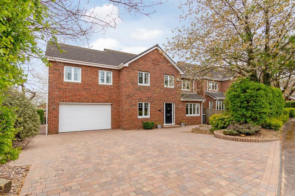 Detached House for Sale in HIgh ShInclIffe, , United Kingdom