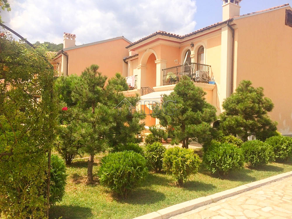 FurnIshed 1-Bedroom apartment for sale In VIlla Romana ElenIte, 500 m to the Beach