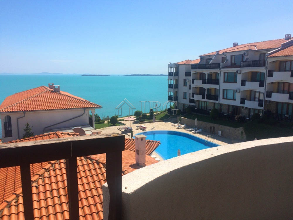 Beachfront apartment wIth 2 bedrooms and Sea and pool vIews In complex Sun Coast Resort, SvetI Vlas