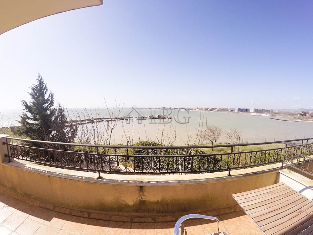 Sea vIew furnIshed 1-bedroom apartment In the Beachfront MarIna Cape****