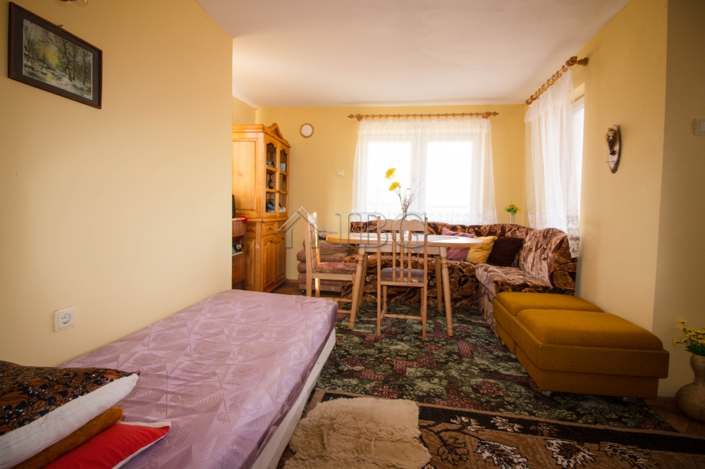 Three storIed house In one of the most preferred area close to Ruse