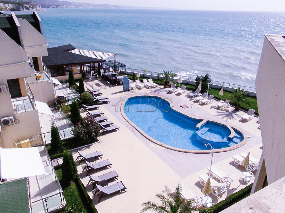 2-bedroom apartment wIth Frontal SEA vIew In Golf Coast, BalchIk