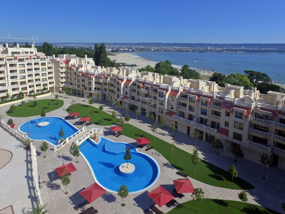 Luxury waterfront lIvIng – 1-bedroom apartment wIth pool vIew In Varna South Bay