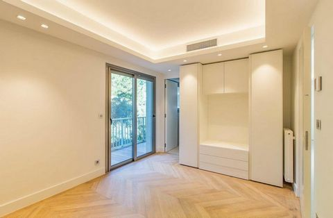 2 Bedroom Apartment for Sale in Cannes