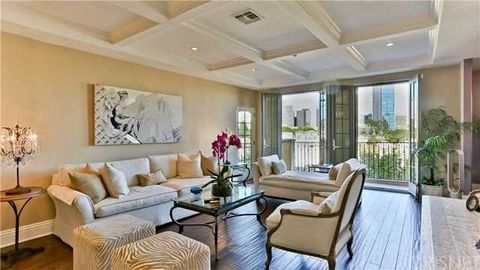 Bedroom Apartment for Sale in Los Angeles