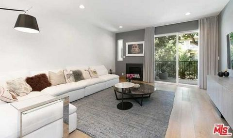 2 Bedroom Apartment for Sale in West Hollywood