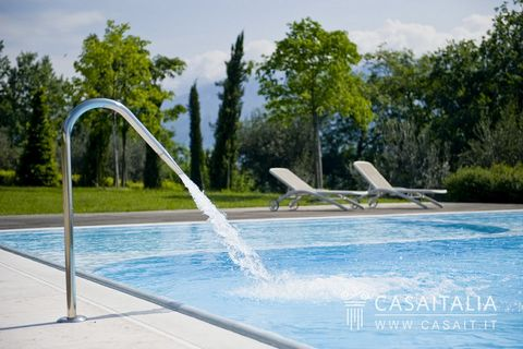 2 Bedroom Apartment for Sale in Toscolano-Maderno